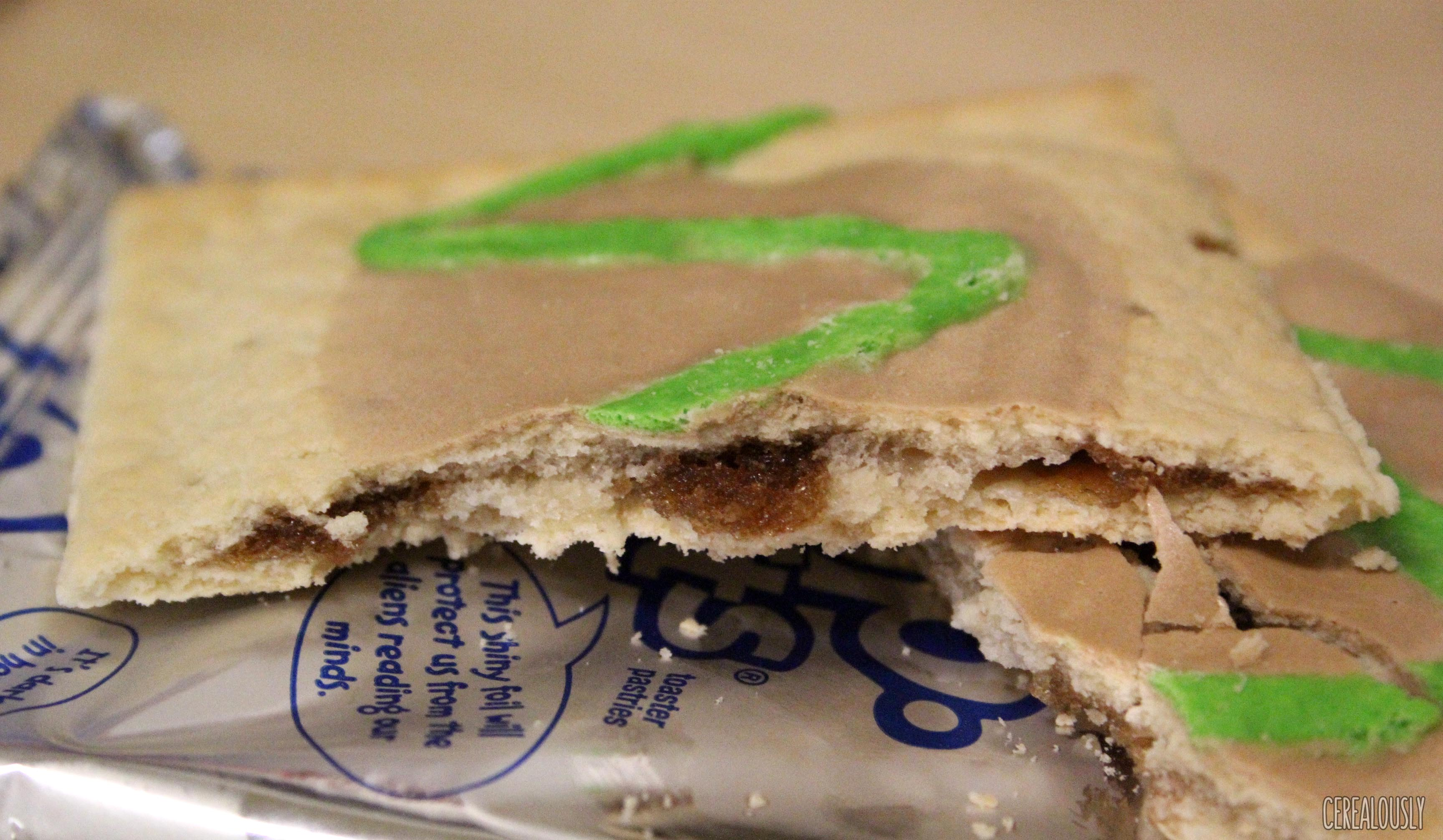 Review: Kellogg's Limited Edition Frosted Caramel Apple Pop-Tarts
