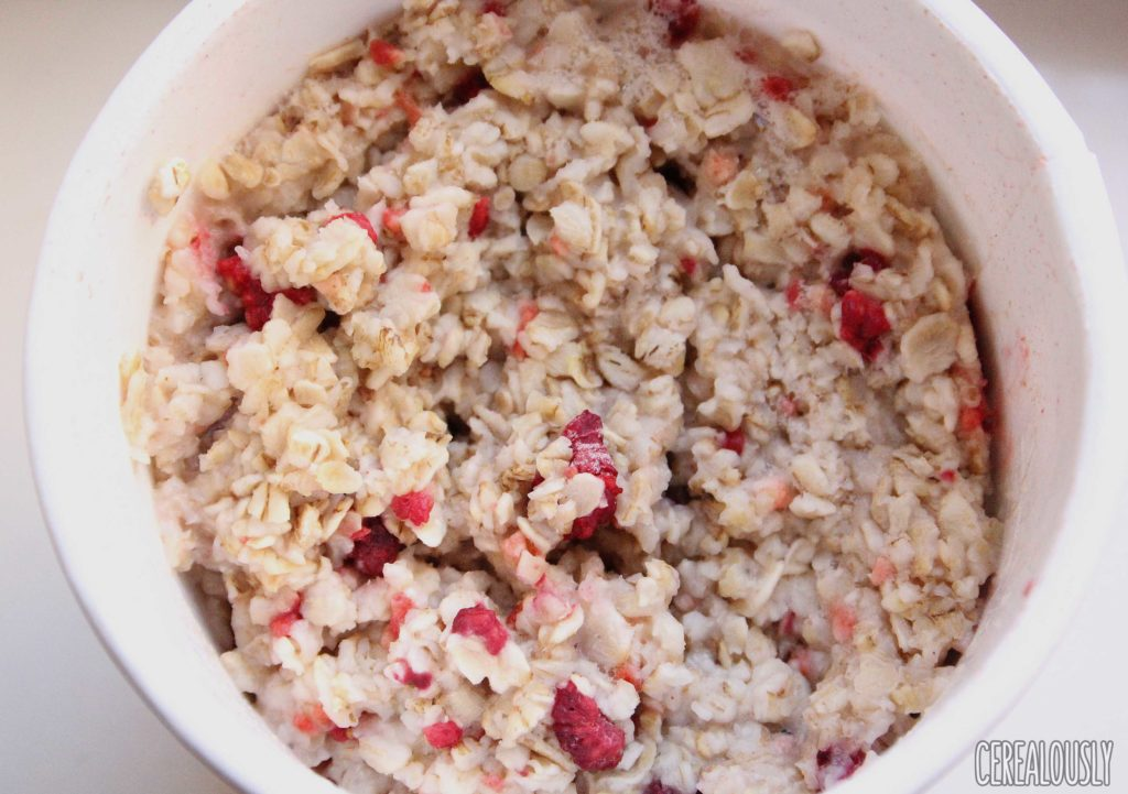Trader Joe's Strawberry Raspberry Instant Oatmeal Cup