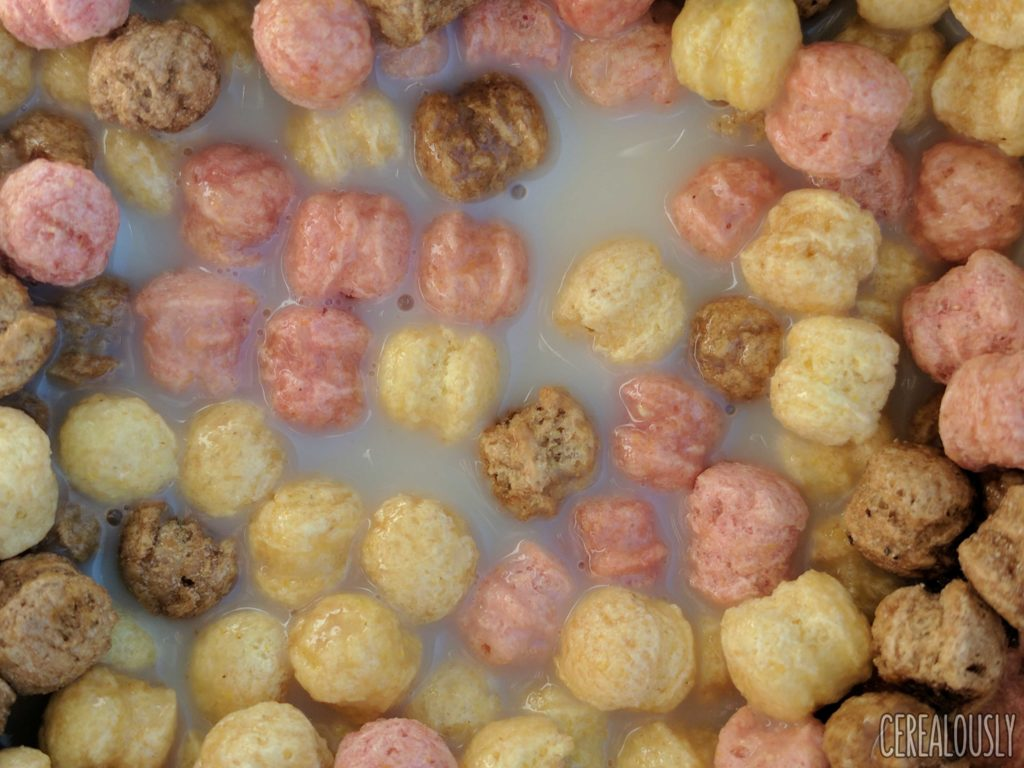 Neapolitan Cocoa Puffs Ice Cream Scoops Cereal Review – With Milk